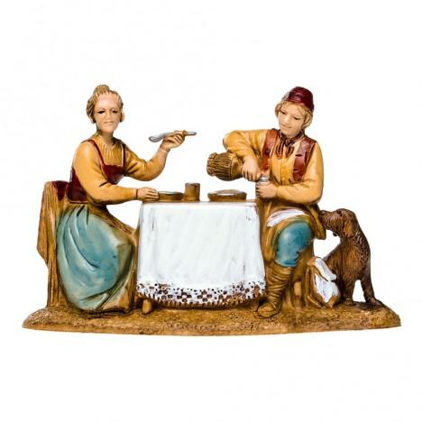 uomo-e-donna-seduti-al-tavolo-landi-6-cm