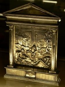 Pace con Compianto sul Cristo deposto, fine XVI secolo, argento. Lisbona, Museu Naciona de Arte Antiga. Fare click sull'immagine per visualizzare la foto ingrandita