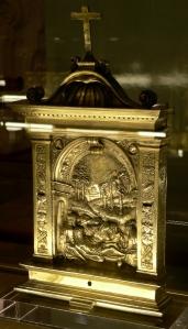 Pace con Compianto sul Cristo deposto,1534, argento dorato. Lisbona, Museu Naciona de Arte Antiga. Fare click sull'immagine per visualizzare la foto ingrandita