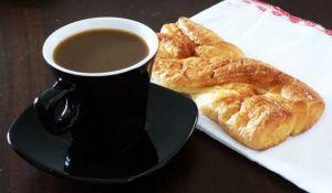 2 giugno 2014, giorno 1 dei miei #100happydays: la prima colazione nella casa nuova.