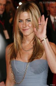 Anche Jennifer Aniston ama i bracciali Cartier